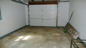 Single car garage w/storage