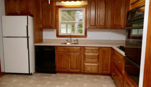 Kitchen with gas cooktop